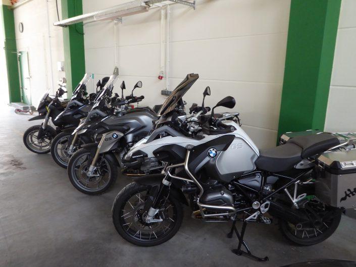 Motorräder sind ebenfalls unsere Leidenschaft, daher haben wir auch hier einen kleinen feinen Fuhrpark in der Vermietung.